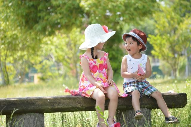 3歳の男の子と女の子
