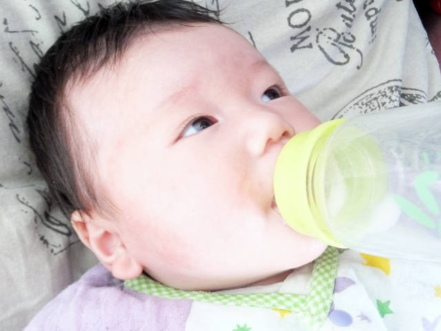 飲み 赤ちゃん 過ぎ ミルク